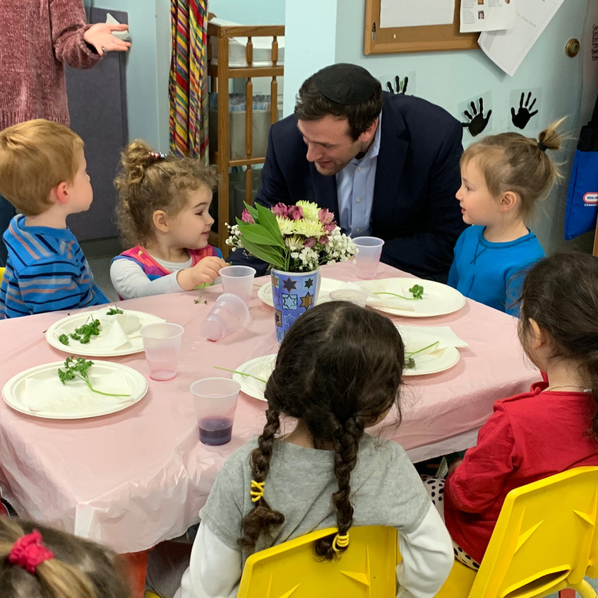 Rabbi visits the Pesach tasting