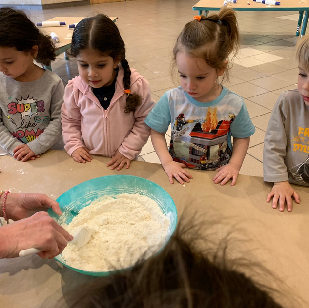 Mixing the flour and water