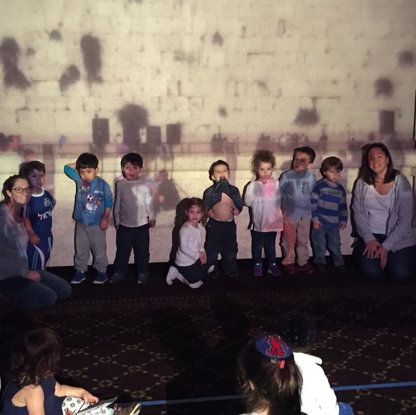 The Peelim Class at the Kotel.