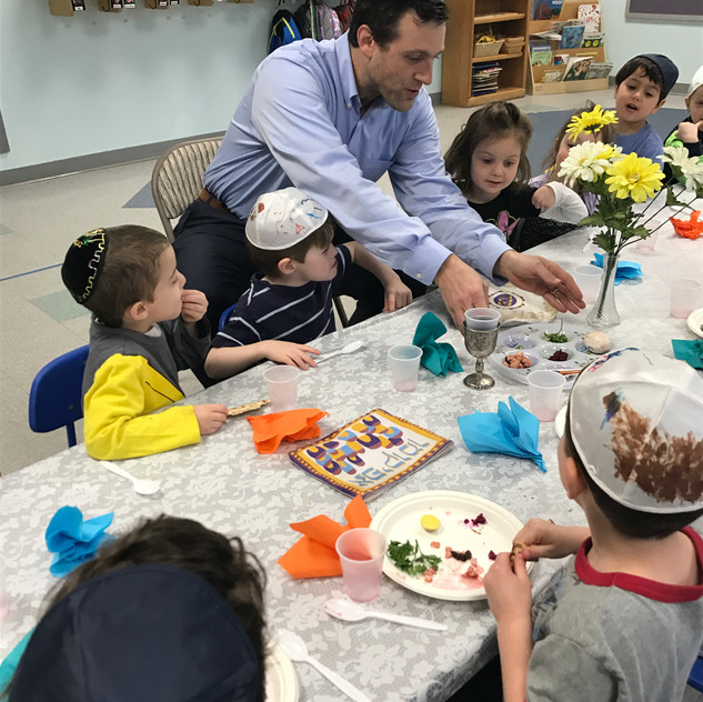 Rabbi Antine and the 3's mock seder