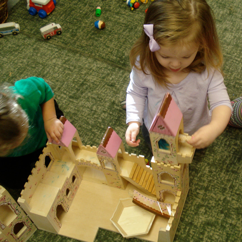 Toddler castle play