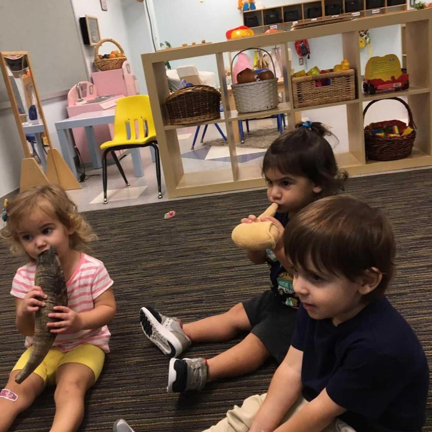 Toddler shofar time