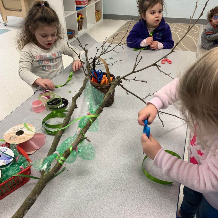 Decorating tree branches