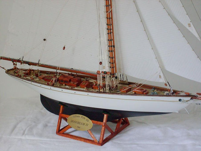 Maquette de Moonbeam IV, chantier JN Boué