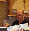Gildas Flahaut dédicaçait son livre au Nautic 2010 © Patrick Archambeaud