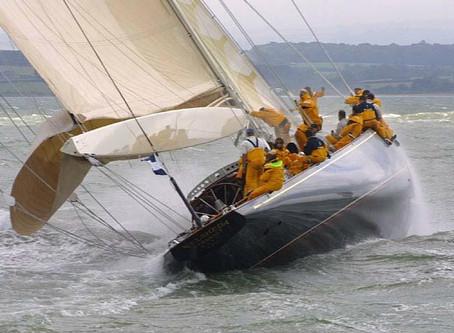 Digression sur le yachting classique Editorial 2010