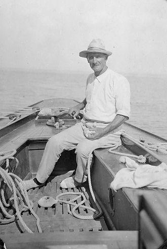 Ernest Olney Digby à la barre de Defiance