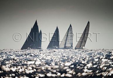 Voiles sur une mer de diamants © Nigel Pert