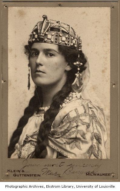 Mae Burgess joue Iras dans Ben Hur