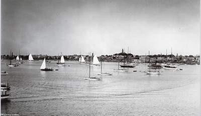 Vue du mouillage de Marblehead Harbor de la terrasse du Corinthian Yacht Club en 1908
