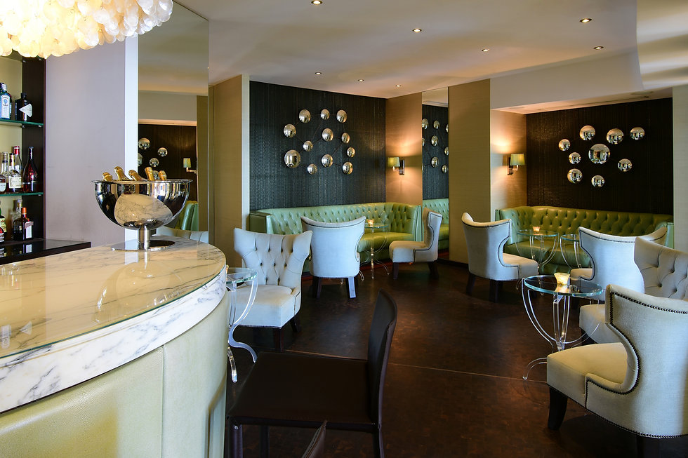 Corinthia_St_Georges_Bay_Pearl_Lounge_Ba