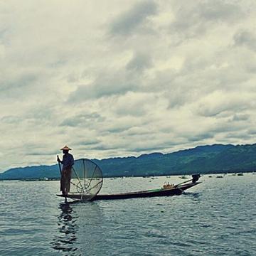 #fisherman #myanmar #inlelake #lifeinthe
