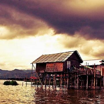 #floatinghouses #inlelake #amazinglocato