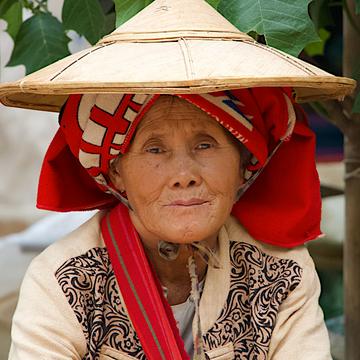 Pindaya garlic seller