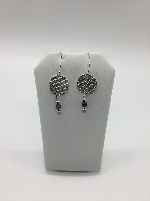 Gauze round texture earrings w/lapis bead