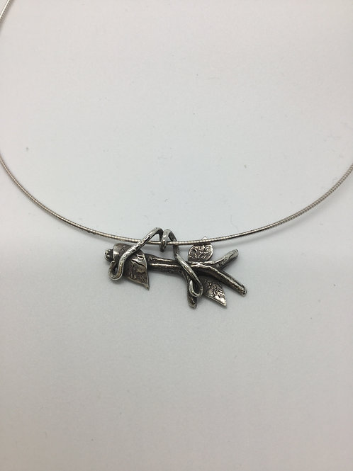 Twig w/leaves and vines Pendant
