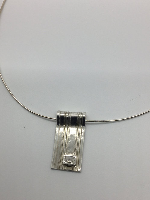 Ribbon Texture Rectangular Pendant w/Diamond cz