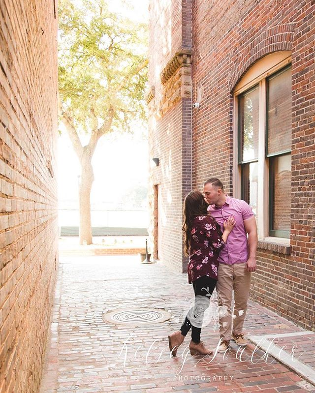 😍 #engaged2017 #engagedsc #charlestonweddingphotographer #hiltonhead #savannah #follybeach #savanna