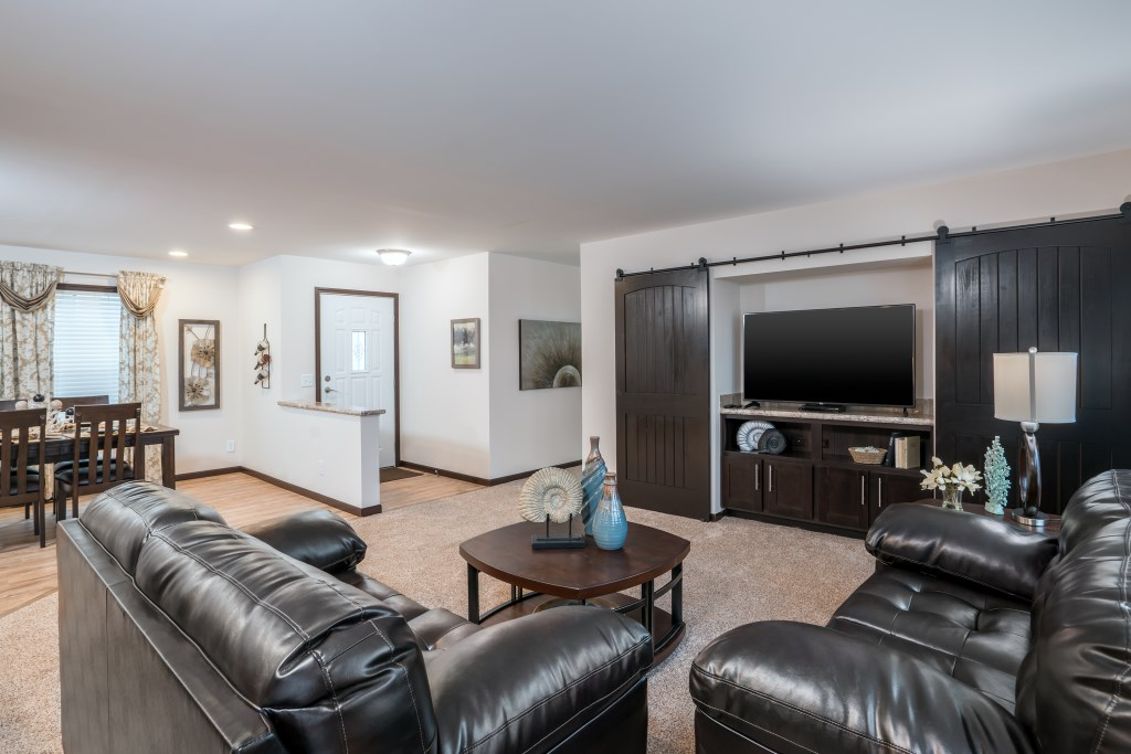 GFM906A_Living room