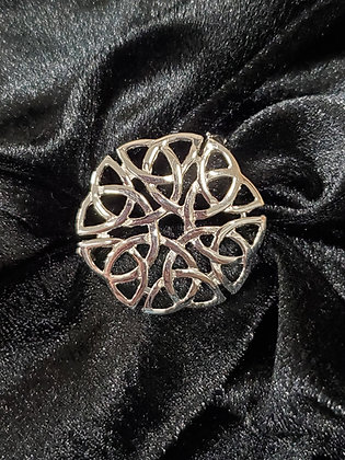 Celtic Knot Pin in Pewter