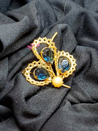Blue Stone & Pearl Pedals Gold Broach