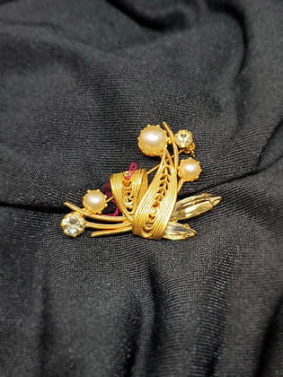 Vintage Pearl Gold Broach