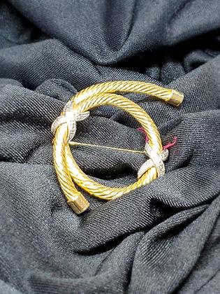 Rope Twist Gold Broach