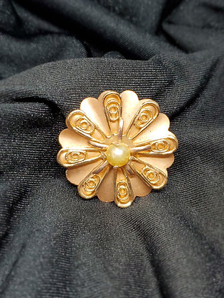 Flower w/ Pearl Rose Gold Broach