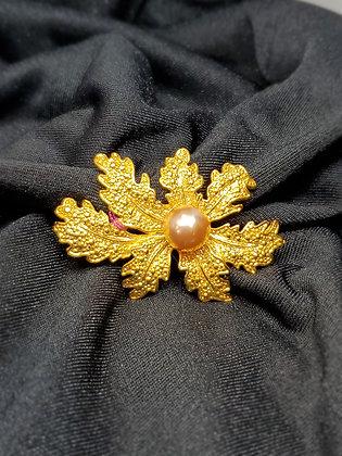 Leaf w/Pearl Gold Broach