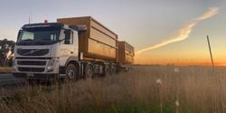Smallmons Volvo hook truck