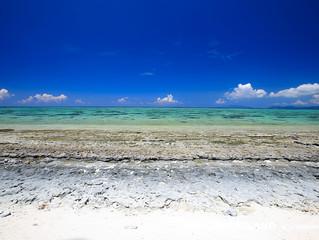 ニシパリ浜のビーチロック