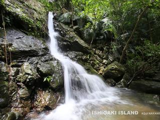 ナナンガーラの滝