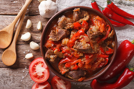 pieces of lamb cooked with onion, tomato