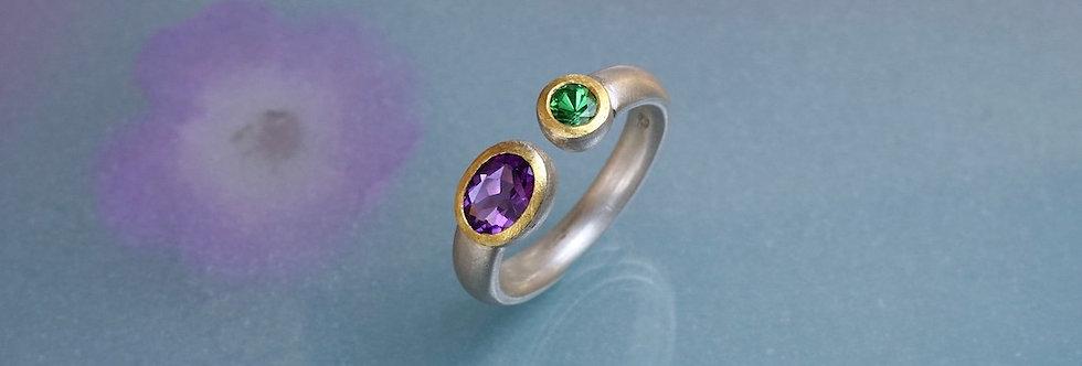 Silber: Ring Amethyst/Tsavorit