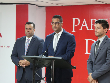 Plan fiscal de Rosselló golpea el bolsillo de los empleados municipales