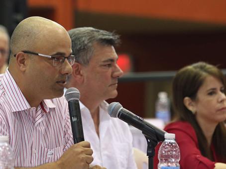 Ferrer propone a los estudiantes permitir apertura de la UPR
