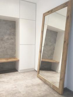 Zrcadlo z dubového masivu
