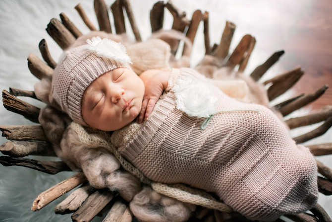 Lifestyle Newborn Session : Monster Theme