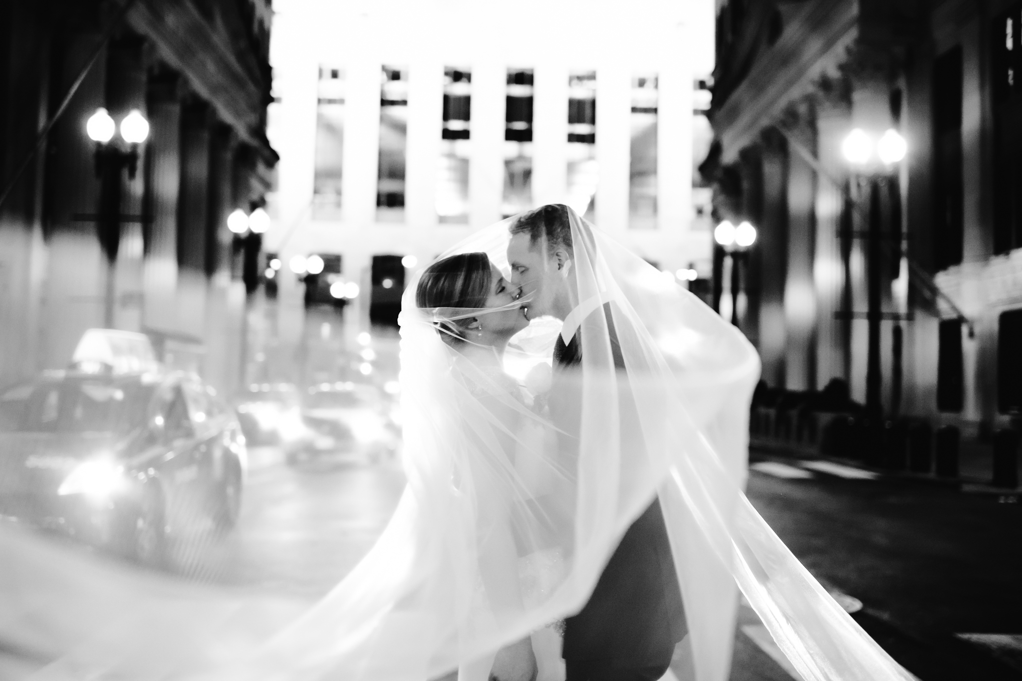 chicago_rookery_wedding_nancy_marie_photography-6