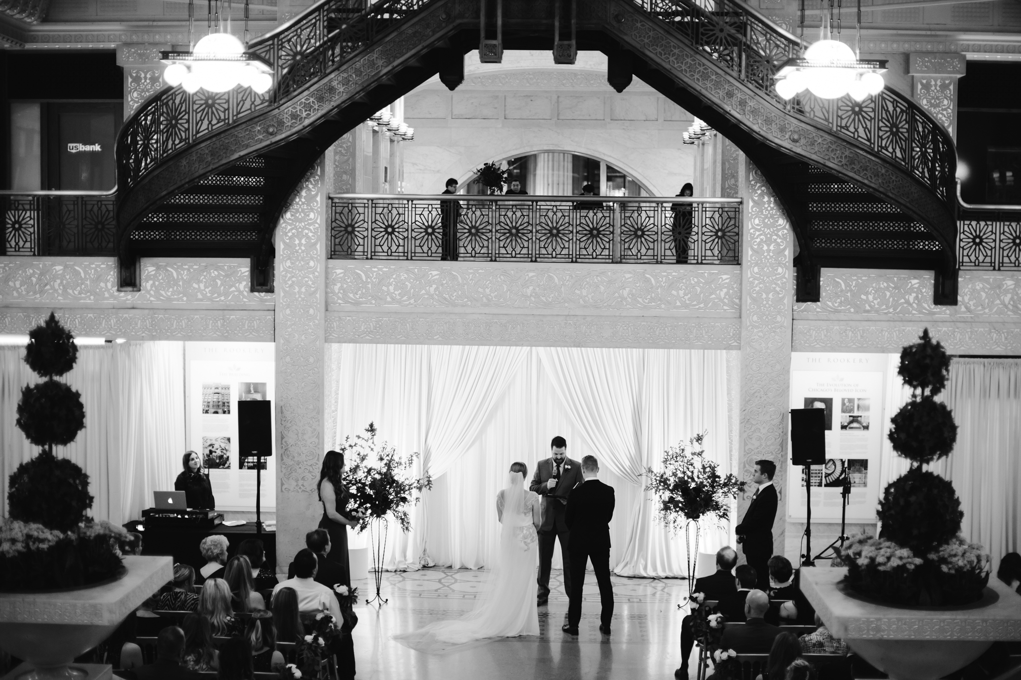 chicago_rookery_wedding_nancy_marie_photography-5