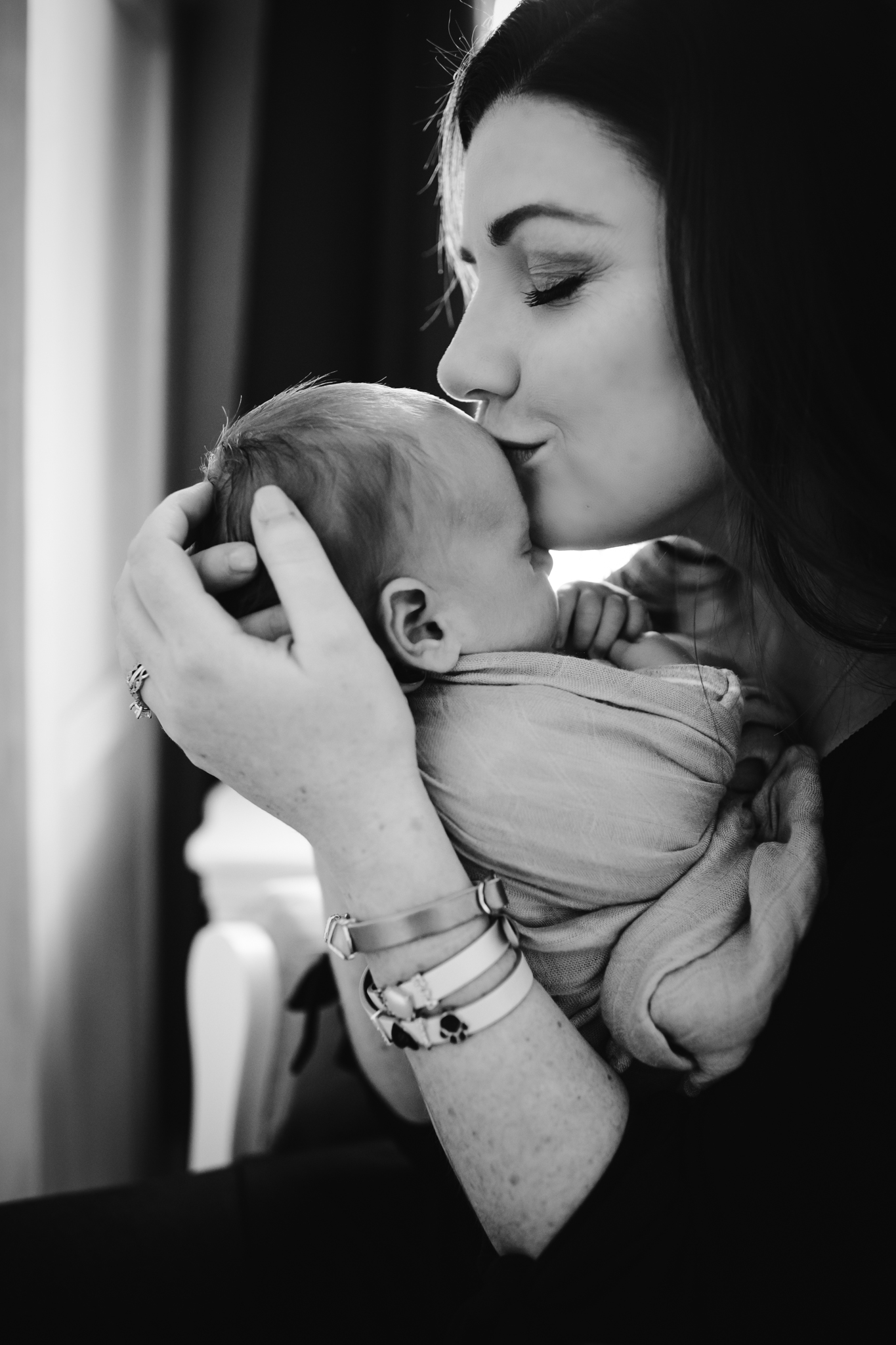 Chicago-Lifestyle-newborn-session-nancy-marie-photography-10