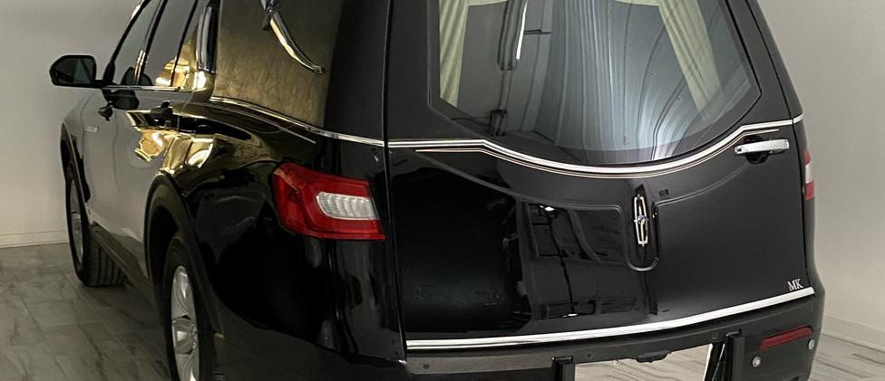 Low Cut Rear Door