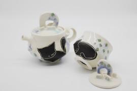 Queen Sheba Teapot and Sugar Pot