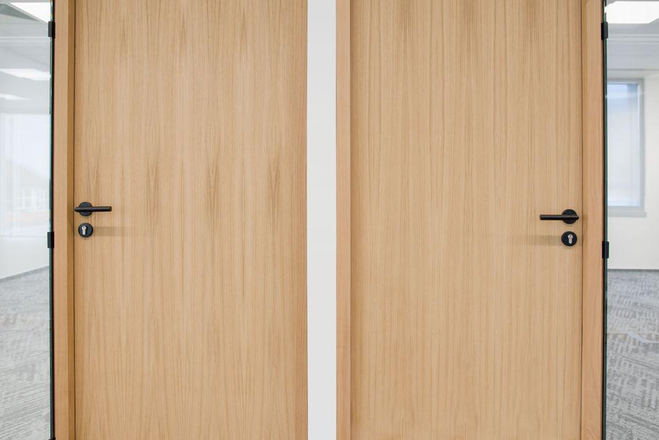 detail dýhovaných dveří