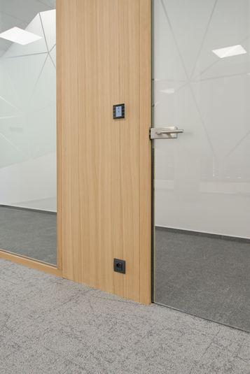 plny instalacni panel