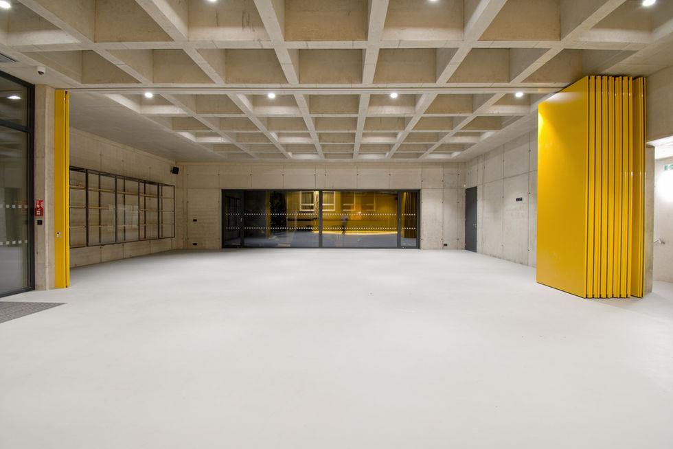 lobby sportovni haly v Modricich