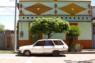 casa de lilia, carro de manuel