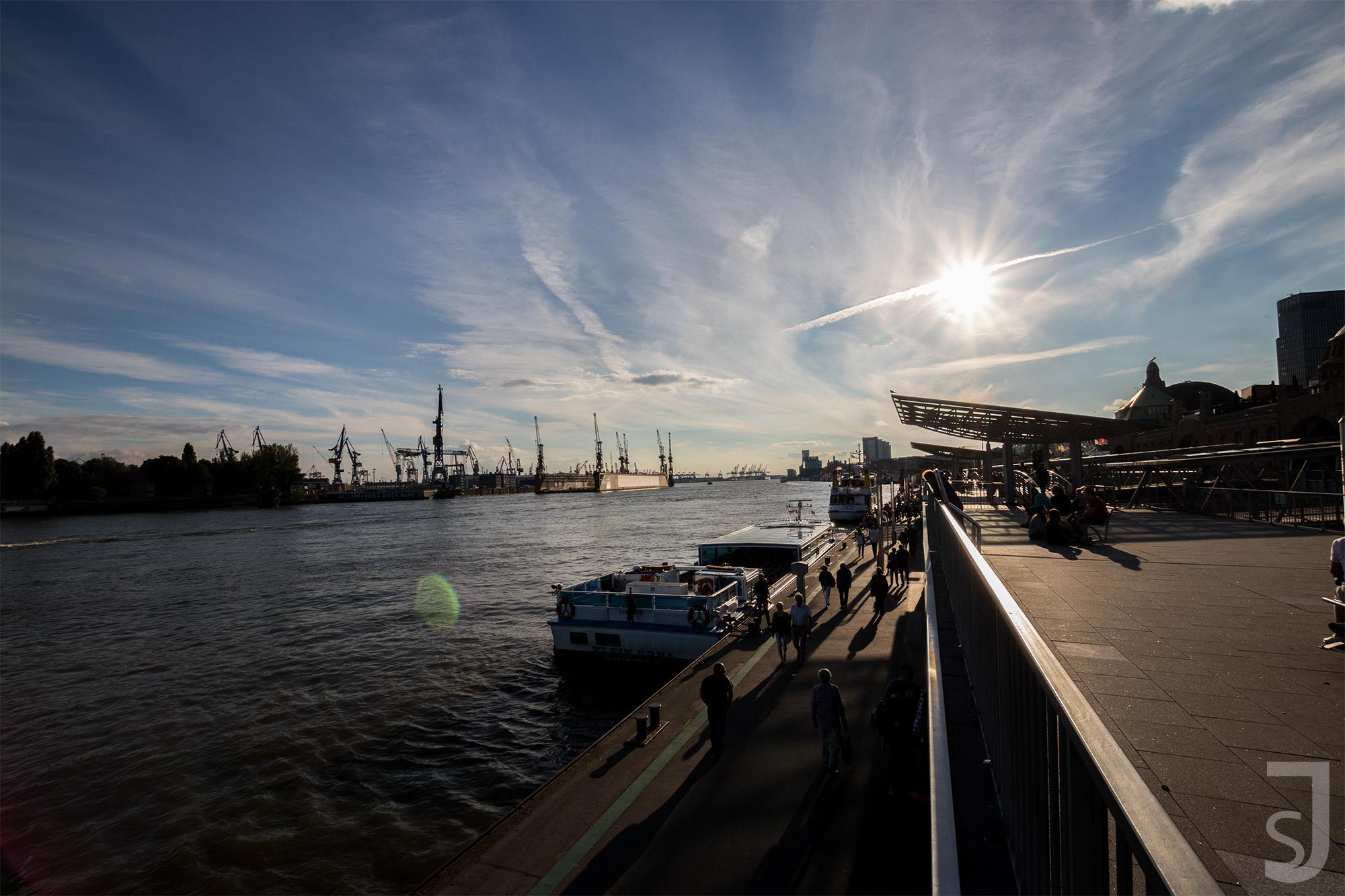 Landungsbrücken_(Querformat),_Hamburg