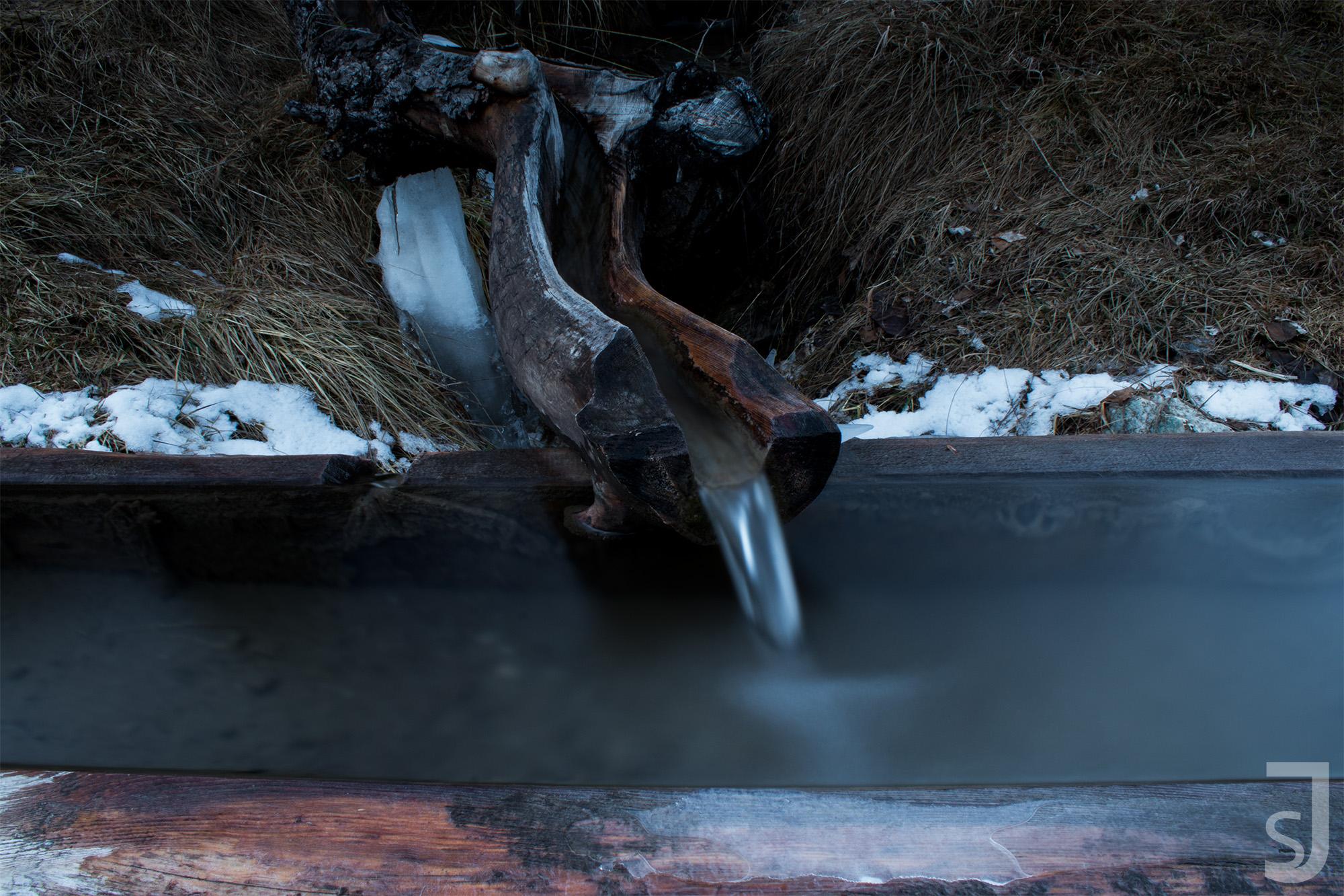 Wasserbrunnen Winter