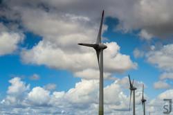 drei_Windräder,_Norddeutschland
